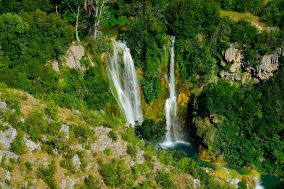 Wasserfall an der Ruine Burnum