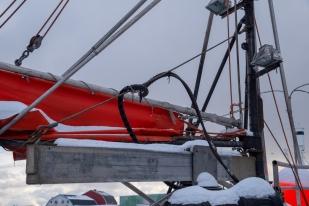 Bootsaufbau im Hafen von Svolvær