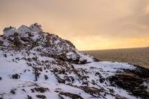 Untergehende Sonne am südlichen Ende von Henningsvær