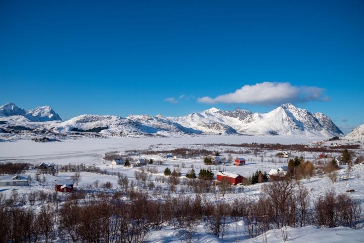 Blick auf die schneeweißen Berge