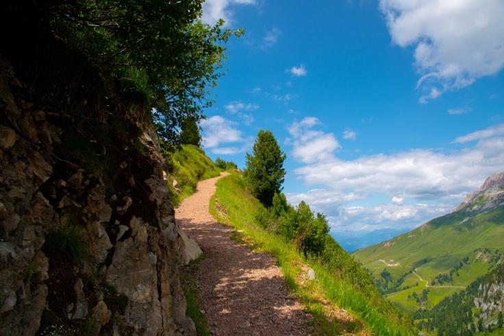 Wanderweg zur Bergstation des Liftes Monte Agnello